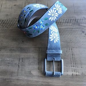 Accessories - Embroidered Floral leather belt size M